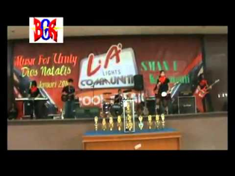 Nissi Band-Sanggar Bongkar Song: Dia Maha Sempurna-Ungu Band [HQ]