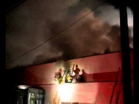 5 firefighters injured battling large Calif. fire