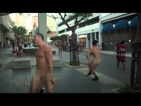 رجال ونساء ترقص عارية في شوارع لوس أنجلوس thumbnail