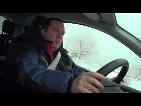 Как нужно вращать рулем на зимней дороге