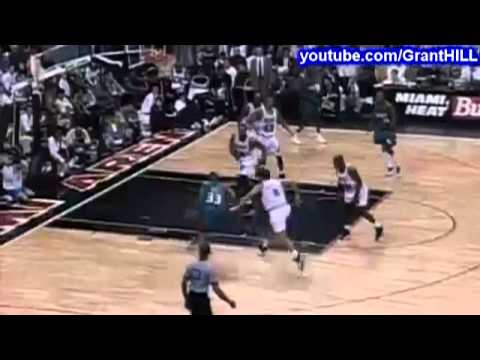 Grant Hill's BEST DUNK EVER! (against Alonzo Mourning)
