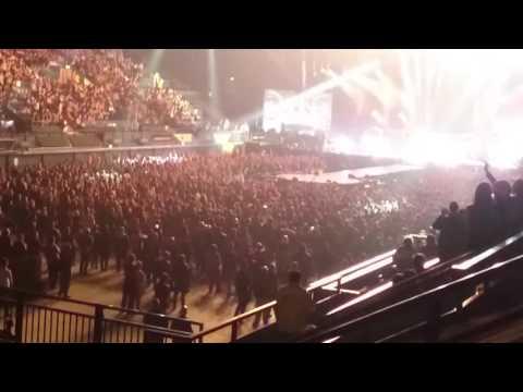 Babymetal - Gimme Chocolate (live) @London Wembly 02/04/16