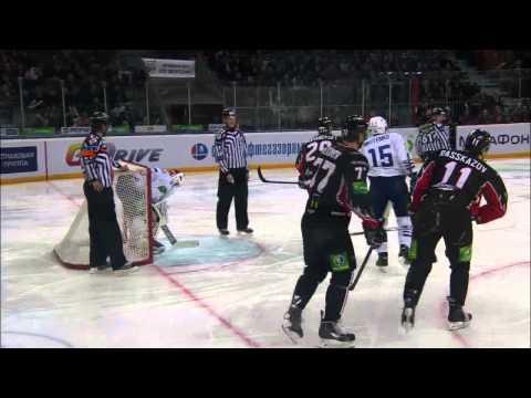 Великолепный сэйв Евгения Иванникова / Ivannikov's fantastic stick save on the goal line