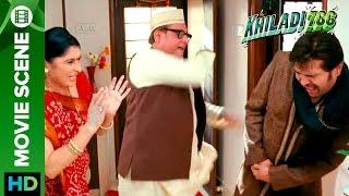 Himesh Reshammiya gets beaten | Khiladi 786