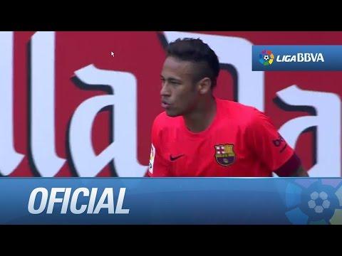 Remate de Neymar que sale por encima del larguero