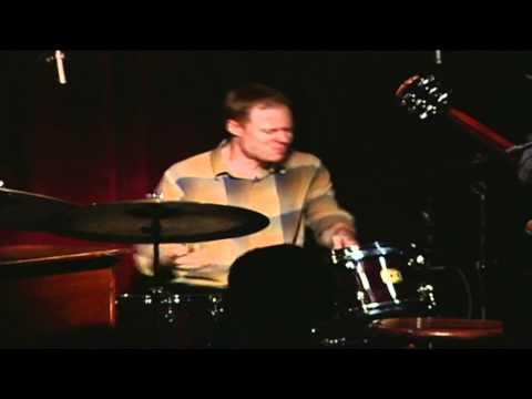 Bill Stewart SOLO - Puttin' on the Ritz - Peter Bernstein Trio - Live at Smoke (2004).mov