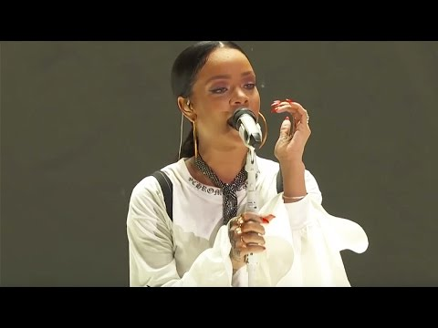 Rihanna Diamonds  Live at Global Citizen Festival ...