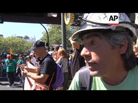 Thousands of miners protest against government cutbacks