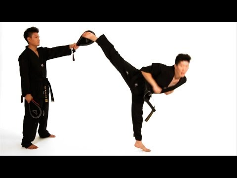 How to Do a Spinning Hook Kick | Taekwondo Training Image 1