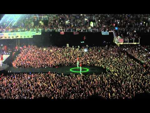 All around the world,Justin Bieber Bologna.