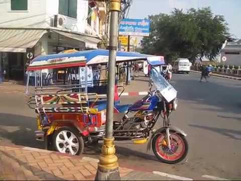 DAILY LIFE ON THE ROADS IN VIENTIANE LAOS. (PART 2)