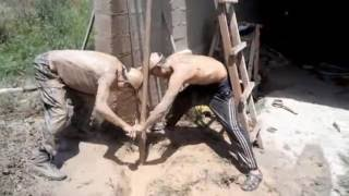 How to dig a bore - well with his hands. Как выкопать скважину - колодец своими руками.  Part 1