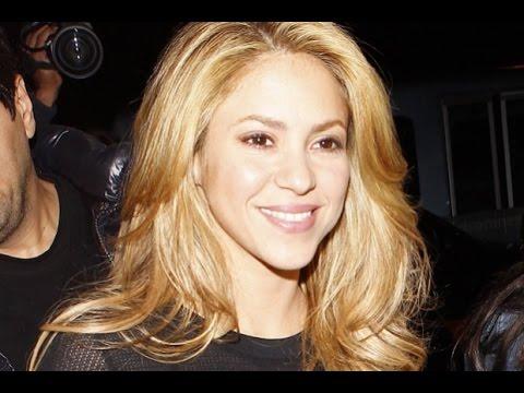 Shakira copia cancion LOCA a Dominicano