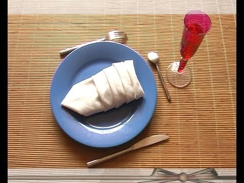 Plier serviette chausson youtube - Plier serviette de table ...