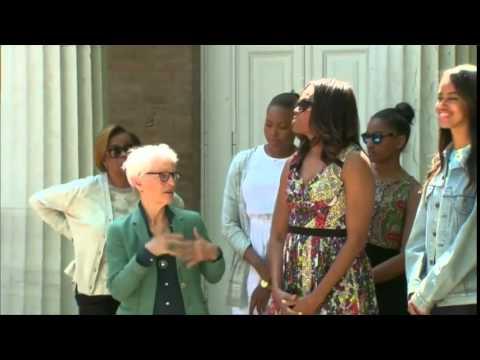 U S  First Lady, daughters visit Venice art exhibit