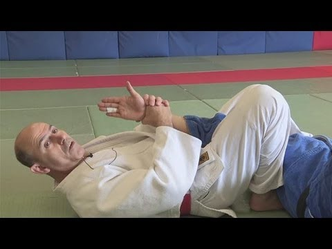 How To Do Judo Submission Holds Image 1
