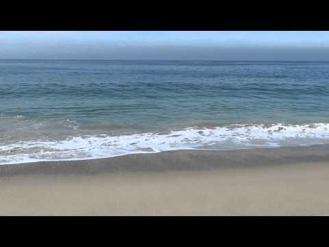 Hermosas Olas En La Playa Del Océano Pacífico