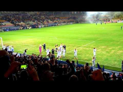 Фанаты и игроки Динамо вместе после матча