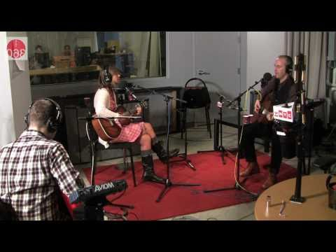 "Studio 360: The Vaselines perform ""Sex with an X"""