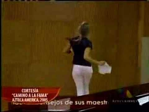 Heloisa de La Academia USA canta Candela