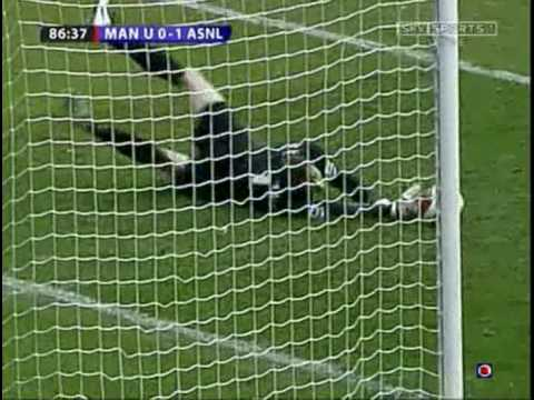 Fantastic save by Jens Lehmann from Ole Gunnar Solskjaer vs Manchester United
