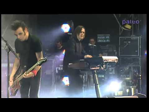 The Cure - The End Of The World (Paléo Festival - Nyon - 2012)