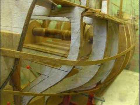 maquette bateau bois maquette bois bismarck video. Black Bedroom Furniture Sets. Home Design Ideas