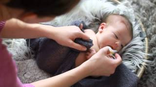 Behind-The-Scenes Newborn Baby Photography Session (Pull Back) - Molly Dockery Photography
