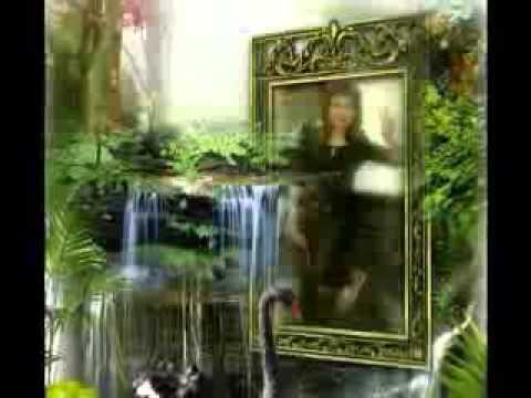Anie Carera Gubuk di Istana,