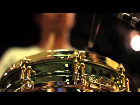 Jake Shimabukuro: Life on Four Strings deleted scene - Drum Strum