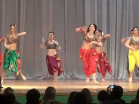 Russian Girls On 'chikni Chameli' (kazan)2012 video