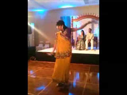 dhoom taana thodasa pagala and rang rasiya engagement dance