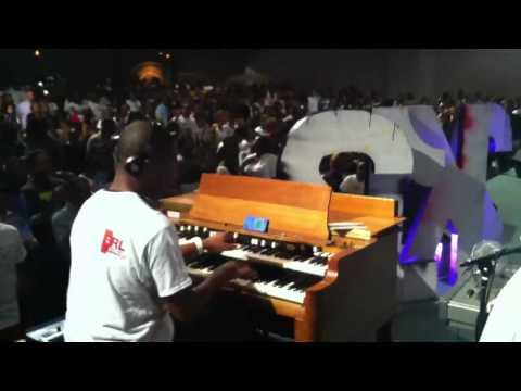 Cory Henry Organ Solo @ BRL 2K12 (Praise Break)!!