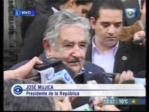 Мухика в Посольстве России в Уругвае 10.06.2011