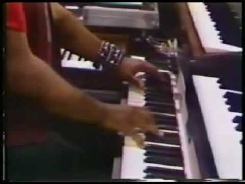 George Duke playing on a Fender Rhodes ( Montreux, 1976 ).mov Video