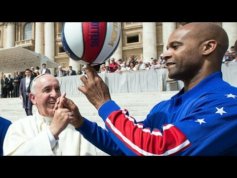 Pope Becomes Honorary Member Of Harlem Globetrotters After Meeting