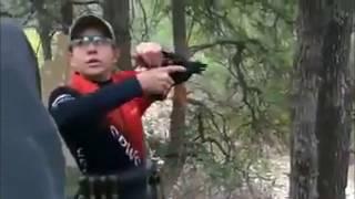 Cùng xem cách người nước ngoài dạy trẻ em bắn súng