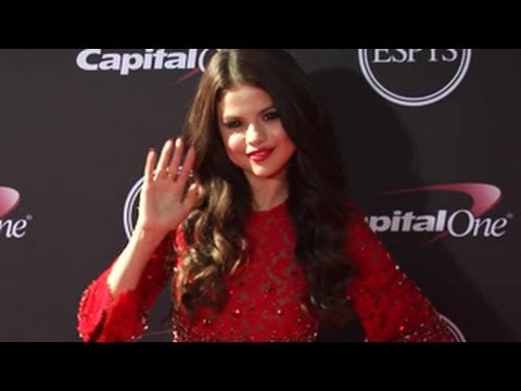 Selena Gomez Stuns in a Red Dress thumbnail