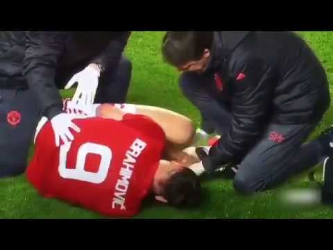 ZLATAN IBRAHIMOVIC INJURY AGAINST ANDERLECHT AS KNEE BENDS WRONG WAY