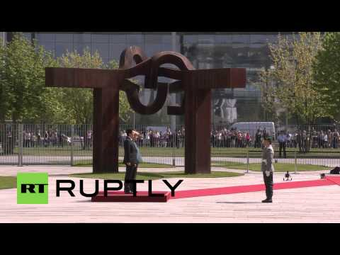 Germany: Merkel welcomes Japanese PM Abe to Berlin