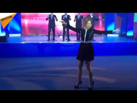 Zakharova Rocks the Dancefloor With Kalinka