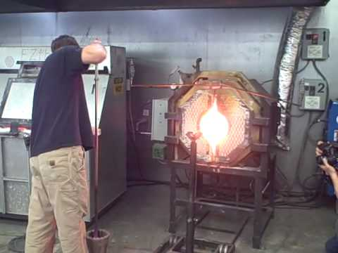 Bay Area Glass Institute -- Making a conch shell (Part One)