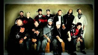 Watch Eminem Bump Heads video