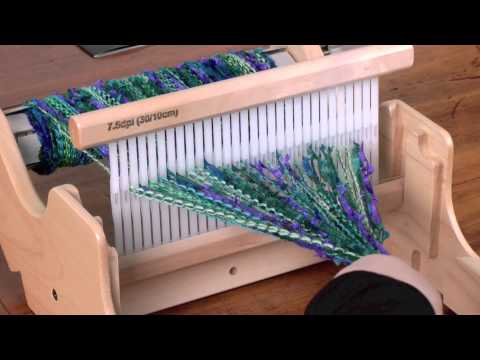 weaving-on-the-sampleit-loom.html