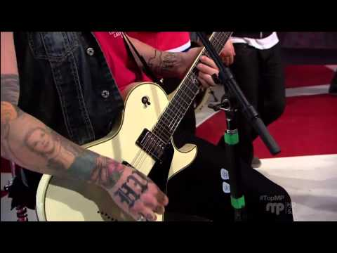 Hollywood Undead - Another Way Out (Live @ MusiquePlus Montreal, 2013)