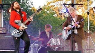 Tim, Neil & Liam Finn - 2015.02.27 Auckland Zooにて行われたライブのダイジェスト映像を公開 thm Music info Clip