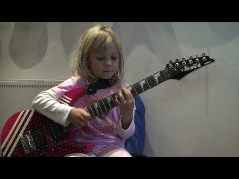 6 Year old Zoe Plays Linkin Park's New Divide Music Videos