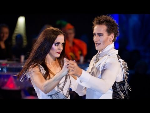 Victoria Pendleton & Brendan Cole Tango to 'White Wedding' - Strictly Come Dancing 2012 - BBC One