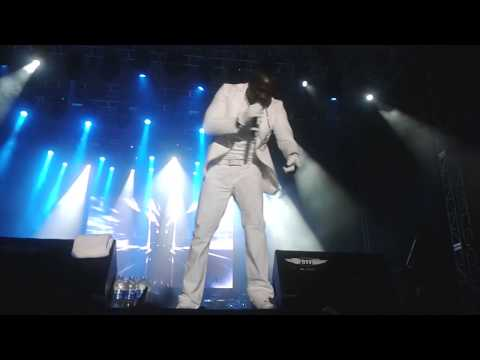 Akon - I'm So Paid Live In Istanbul (vestival) video