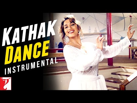Kathak Dance - Madhuri Dixit - Dil To Pagal Hai video